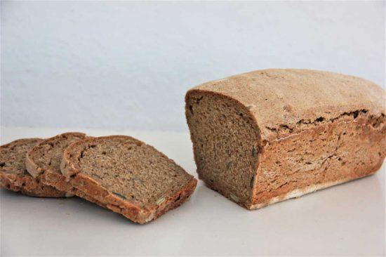 çekirdekli ekşi maya ekmek